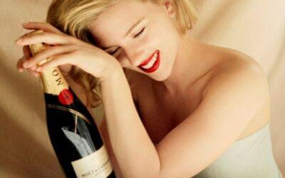 Epidemia de mujeres que beben a solas